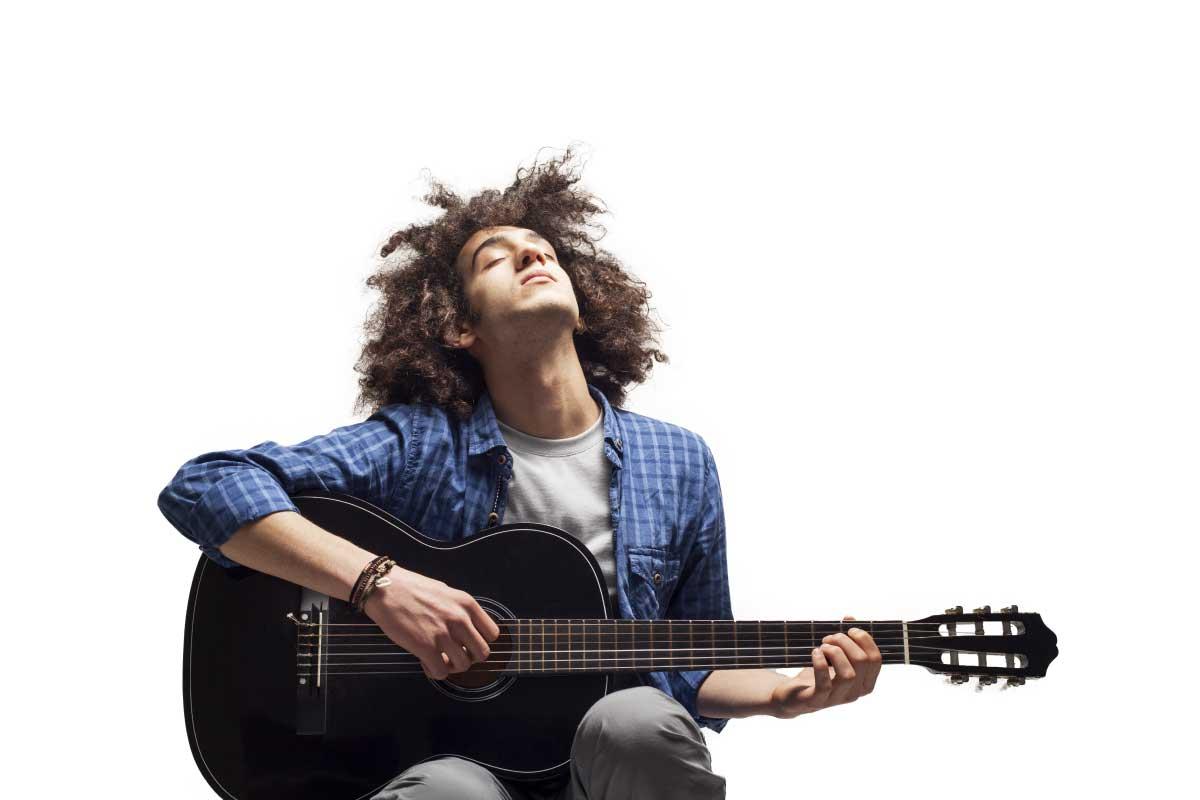 meespelen-gitaar-muziek